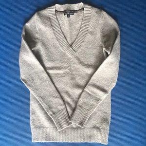 Gray V-Neck Gap Sweater